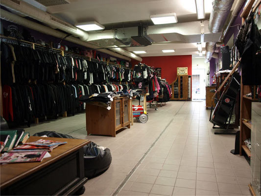 488eb23e0913 Lucky Hazzard - Lucky Hazzard shop - kamenný obchod s oblečením ...